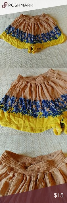 Super cute fresh float shorts These shorts are so comfy and adorable. Wear them with a blue, yellow, white or chambray top. Perfect for summer or a vacation. Great stretchy waistband. Great condition. Francescas Shorts