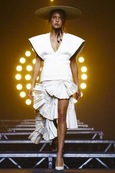 Jacquemus Ready To Wear Spring Summer 2017 Paris