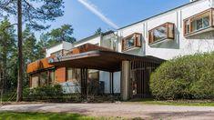 Steel Columns, Modern Architects, Alvar Aalto, Steel House, House Built, Japanese House, Scandinavian Modern, Mid Century House, Architectural Digest