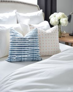 The best and softest organic cotton bedding essentials and decorative pillows. Bedding products that are ethically made and eco-friendly Coastal Bedrooms, Guest Bedrooms, Bedroom Decorating Tips, Blogger Home, Home Decor Paintings, Room Essentials, Home Decor Store, Decor Interior Design, Bed Pillows