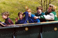 C/n 015625 04-17-1994 Princess Diana in Stafordshire with Prince William and Prince Harry (Henry) at Alton Towers Photo by Dave Chancellor-alpha-Globe Photos