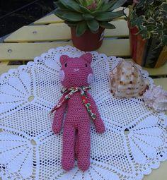 colette.poupoune:: Le chat rose d'après le livre d'agathe rose les doudous au crochet en vente à palais belle ile