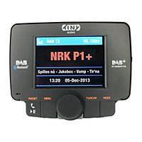 Tiny Audio C3 DAB/DAB+ Plus biladapter kringkaster lydsignal til eksisterende bilradio på en FM-frekvens.