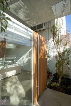 japan-architects.com: 永山祐子による店舗兼住宅「勝田台のいえ」