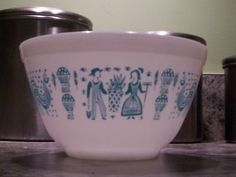 Pyrex 401 1 1/2 Pint Amish Butterprint Mixing by thetrendykitchen, $12.95