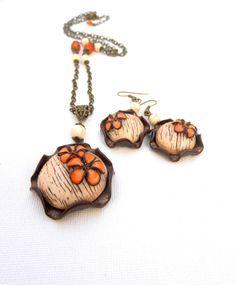 #Brown beige #jewelry  #Handmade earrings pendant  by insoujewelry