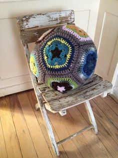 DIY the crochet pillow ball © by zizy ziegler