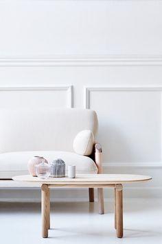 Savannah-table-Monica-Forster-Erik-Jorgensen-2-600x900