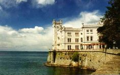 La leggenda nera del Castello Miramare di Trieste.   Il Blog di Fabrizio Falconi: Il Castello Miramare a Trieste e la leggenda nera ...