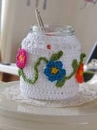 Resultado de imagen para como decorar frascos crochet