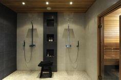 Lämpimän näköinen suihkutila.