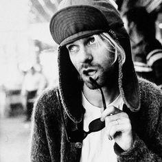 Aujourd'hui triste anniversaire 23 ans que #KurtCobain nous a quitté. #nirvana