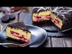 Bloody Halloween Cake - No-bake White Chocolate Mango Raspberry Cheesecake - YouTube Raspberry Sauce, Raspberry Cheesecake, Oreo Cookies, Chocolate Cookies, Bloody Halloween, Mango Cream, Yellow Food Coloring, Mocha Cupcakes, Melting White Chocolate
