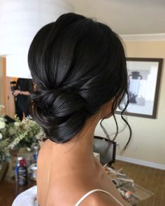 Clean and elegant updo on dark hair for our bride by principle artist Coa . Black Hair Hairstyles, Black Wedding Hairstyles, Veil Hairstyles, Wedding Updo Black Hair, Black Hair Wedding Styles, Wedding Black, Asian Wedding Hair, Simple Wedding Updo, Chignon Simple