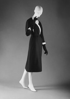 Dress  House of Dior    Date:  spring/summer 1951