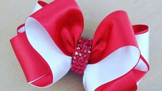 ❣Formosura 3❣ ❤By Tathy Lima ❤ Diy Lace Ribbon Flowers, Diy Ribbon, Ribbon Work, Fabric Flowers, Ribbon Hair Bows, Diy Hair Bows, Hair Bow Tutorial, Creative Embroidery, Bow Accessories