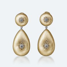 Classica Pendant Earrings in Yellow Gold with Diamonds from our Icona Collection.