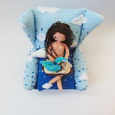 #sofa #nube #necronomicón #cthulhu #book #fantasy #amigurumi #crochet #amigurumi #ganchillo #häkeln #wolke #himmel #sky #cielo #nude #desnudo #feminism #feminismo #vorleser #lector #reader #furniture