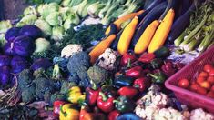 """Prescribing"" fruits and veggies would save $100 billion in medical costs Perhaps it's time for doctors to start prescribing more produce than pills. That's, at least, what researchers argue in a new study that finds ""prescriptions"" for healthy foods could save more than $100 billion in healthcare costs. Vitamin A Mangel, Kimchi, Information Diet, Fruits And Veggies, Vegetables, Holistic Approach To Health, Types Of Diets, Vegetable Stew, Healthy Lifestyle Tips"
