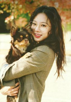 Find images and videos about kpop, girls and dog on We Heart It - the app to get lost in what you love. Hani, Kpop Girl Groups, Kpop Girls, K Pop, Divas, Oppa Gangnam Style, Wattpad, E Dawn, Queens