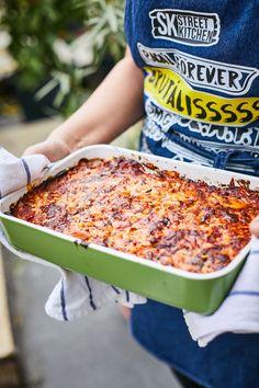 Vega rakott padlizsán | Street Kitchen Baking Recipes, Vegetarian Recipes, Food And Drink, Bread, Cooking, Street, Eggplants, Cooking Recipes, Kitchen