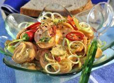 Salát z buřtů Seitan, Tzatziki, Nutella, Shrimp, Frappe, Food And Drink, Zucchini, Chicken, Recipes