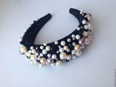 Fabric Jewelry, Hair Jewelry, Fascinator, Headpiece, Pearl Headband, Turban Headbands, Fancy Hats, Headband Styles, Diy Hair Accessories