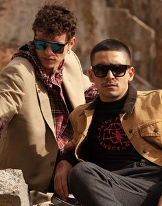 Omar Ayuso und Arón Piper zusammen in diesem Fashion Editorial - omander