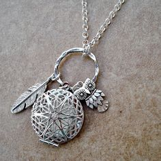 Aromatherapy Locket with a Feather and Owl - Silver Filigree Locket Aromatherapy Necklace - Aromatherapy Diffuser Jewelry