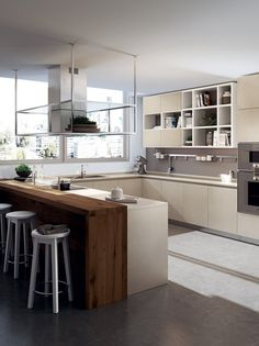 Scavolini is expanding its range of materials with the Gres Experience project, a slim thickness Porcelain Stoneware used as a door finishing material.