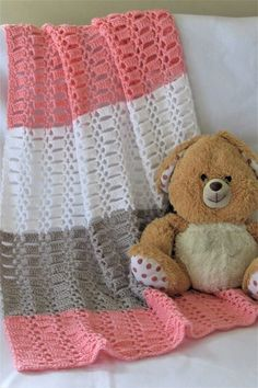 Easy Crochet Blanket for Baby, Perfect for Beginners Try this quick and easy crochet blanket for baby. This afghan pattern is made up of a beautiful stitch and is perfect for beginners. Crochet Baby Blanket Free Pattern, Easy Crochet Blanket, Crochet For Beginners Blanket, Baby Afghan Crochet, Manta Crochet, Afghan Crochet Patterns, Crochet Basics, Free Crochet, Baby Afghans