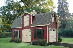 backyard party barn garage. love the charm of it