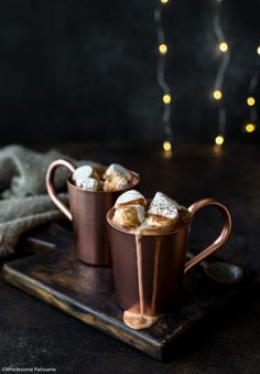 Indulge in this boozy hot chocolate on those cosy evenings leading up to Christmas! More from my siteHot Chocolate Nightcap – Wholesome Patisserie – RecipesLow Carb Keto Hot Chocolate Recipe Spiked Hot Chocolate, Christmas Hot Chocolate, Café Chocolate, Chocolate Milkshake, Hot Chocolate Recipes, Dark Chocolate Chips, Chocolate Desserts, Milk Shake Chocolat, Bon Dessert