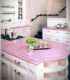 Pink kitchen done right-and this is my dream kitchen! Cocina Shabby Chic, Shabby Chic Kitchen, Vintage Kitchen, Pink Kitchen Decor, Kitchen Colors, Pastel Kitchen, Home Design, Interior Design, Room Interior