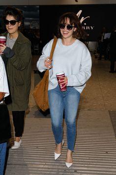 #EmiliaClarke, #Jeans Emilia Clarke in Tight Jeans - Arriving at Heathrow Airport – 04/20/2017 | Celebrity Uncensored! Read more: http://celxxx.com/2017/04/emilia-clarke-in-tight-jeans-arriving-at-heathrow-airport-04202017/