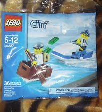 LEGO City Police Watercraft Polybag 30227 NEW Minifigures Cop Robber Jetski