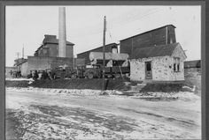 Old pic of the Lyon and Greenleaf flour mill.
