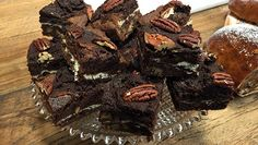 Toffeebrownies - Rudolph's Bakery | 24Kitchen Rudolph's Bakery, Love Chocolate, Carrot Cake, No Bake Desserts, Toffee, Brownies, Carrots, Cupcakes, Yummy Food