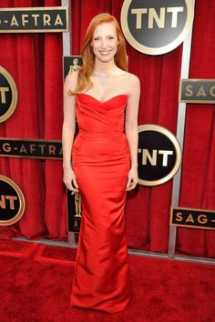 Jessica Chastain in red hot Alexander McQueen with Harry Winston gems (SAG Awards 2013)