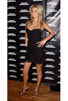 Celebrities and their Little Black Dress Brooklyn Decker, Sports Illustrated, Marisa Miller Hot, Sienna Miller, Cut And Style, My Style, Victoria's Secret, Black Dress Shoes, Ruched Dress