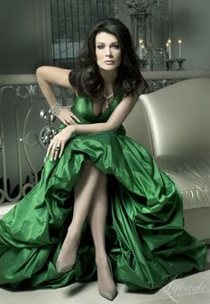 Beautiful green gown ! by pearlescent