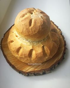 Easy Homemade Cottage Loaf recipe, think you can't bake bread? Easy step-by-step guide will show you how to make a crusty cottage loaf every single time. Easy White Bread Recipe, Loaf Bread Recipe, Bread Recipes, Baking Recipes, Dessert Recipes, British Baking Show Recipes, British Bake Off Recipes, Cottage Loaf, Delicious Desserts