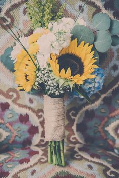 sunflower bouquet Colourful DIY Wedding http://www.bgproonline.com/