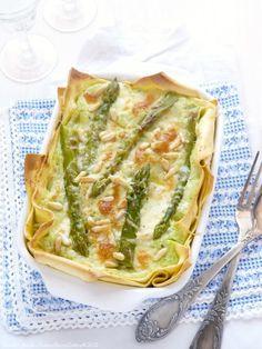 Lasagne di primavera Wish I read Italian! Italian Dishes, Italian Recipes, Pasta Party, Cannelloni, Lasagne Recipes, Cooking Recipes, Healthy Recipes, Spring Recipes, Food Menu