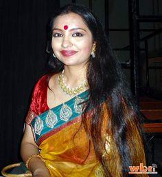 Actress June Maliah hosts Launch of AAROHAN - a Hindustan Unilever initiative to help the underprivileged in Kolkata: http://www.washingtonbanglaradio.com/content/74440212-june-maliah-hosts-launch-aarohan-hindustan-unilever-initiative-help-underprivileged