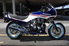 HONDA CBX 750 FG, coloris ROTHMMANS, 1988
