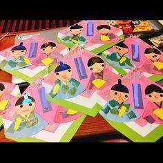 【アプリ投稿】【おひなさま製作】 | みんなのタネ | あそびのタネNo.1[ほいくる]保育や子育てに繋がる遊び情報サイト Crafts For Kids, Arts And Crafts, Girl Day, Spring Crafts, Create, Children, March, Toddlers, Mac