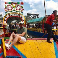 Everything looks serene under a #panamahat 's brim- Friday full of colors - - - - - -  #fridayfun #travel #enjoy #México #xochimilco #PuertoRico