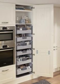 Storage heaven!  Tewkesbury White Kitchen Range | Kitchen Families | Howdens Joinery #Kitchenstorage #RangesKitchen
