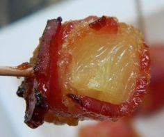 Receta de piña y bacon La primera vez que probé esta receta me dejo asombrado .La mezcla de piña con el bacon ahumado me sorprendió tanto que al día siguiente estaba haciéndola en mi casa. Aquí os dejo la receta sin más preámbulos !!! http://www.cocinaland.com/recipe-items/snack-de-pina-y-bacon/ @Cocinaland